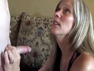 Sexy milf with saggy tits in homemade sextape amateur big tits milf