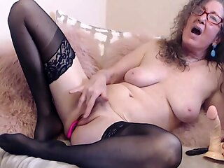Mature webcam amateur big tits brunette