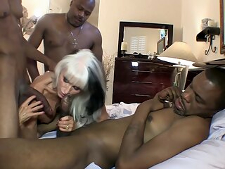 Pleasing The BBC From GILF Pussy anal big ass big cock